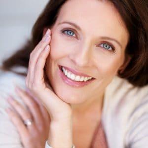 הלבנת שיניים לחיוך מושלם
