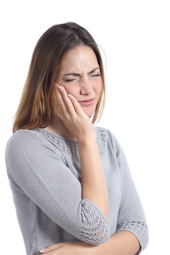 למה לסבול? השתלות שיניים ביום אחד!