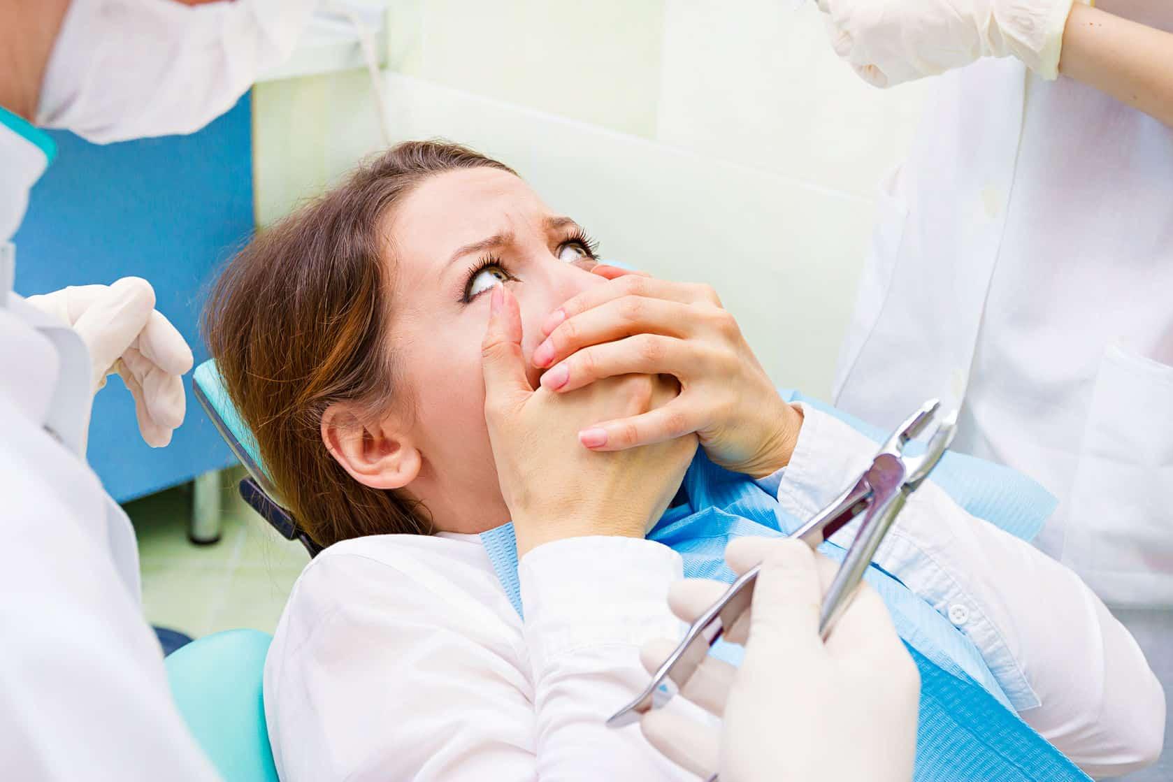 התמדדות עם חשש מפני השתלת שיניים וטיפולי שיניים